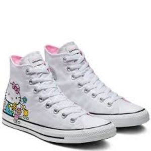 Hello Kitty Converses Chuck Taylor all Star high t